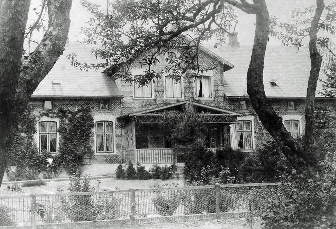 Thusneldas Elternhaus, das alte Pastorat in Oldenswort.