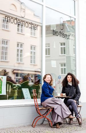 Rebekka Jeß und Albertina Flaverny (v.l.)