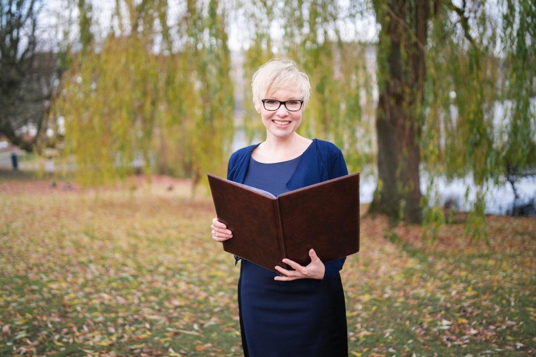 Freie Traurednerin in Kiel – Nicole Groth